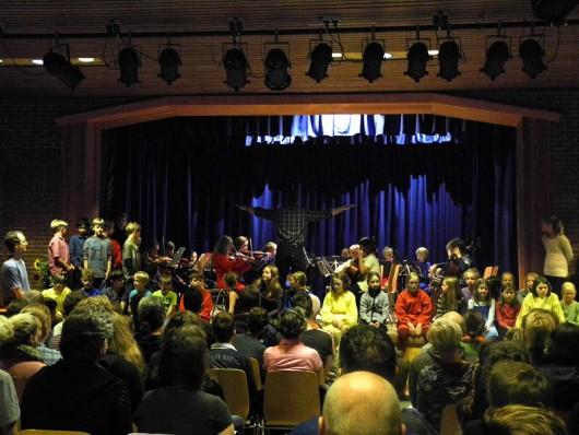 03 Monatsfeier Unterstufenorchester Chor